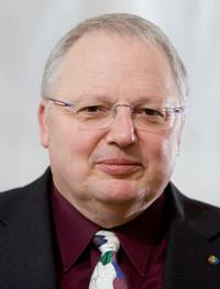 """Kurt-Helmuth Eimuth ist Leiter der Redaktion von """"Evangelisches Frankfurt"""". Foto: Rolf Oeser"""