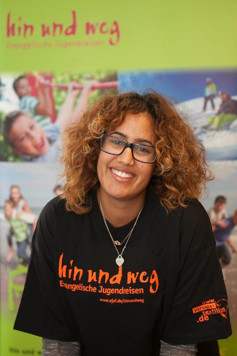 Mariem El Abdi ist Teamerin bei den Evangelischen Jugendreisen und hilft im Stadtjugendpfarramt aus, wenn immer es dort was zu tun gibt. Foto: Ilona Surrey