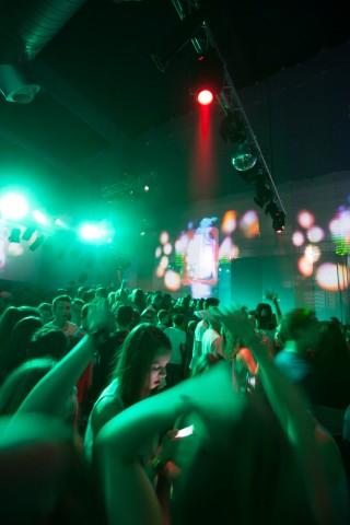 Konfi-Party in der Jugendkulturkirche Sankt Peter. In Frankfurt gehen nur noch 15 Prozent eines Jahrgangs zur Konfirmation. Doch die Bedürfnisse und Fragen von Jugendlichen haben trotzdem theologischen Gehalt. Foto: Ilona Surrey