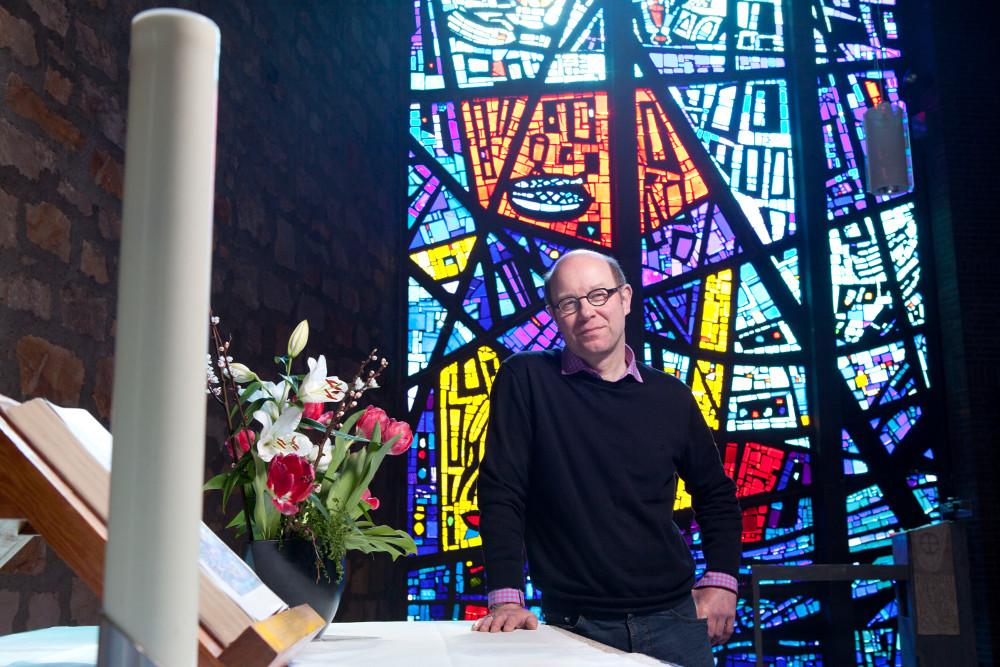 Freut sich über den Aufschwung in der Wartburggemeinde: Pfarrer Thomas Diemer. Foto: Rolf Oeser