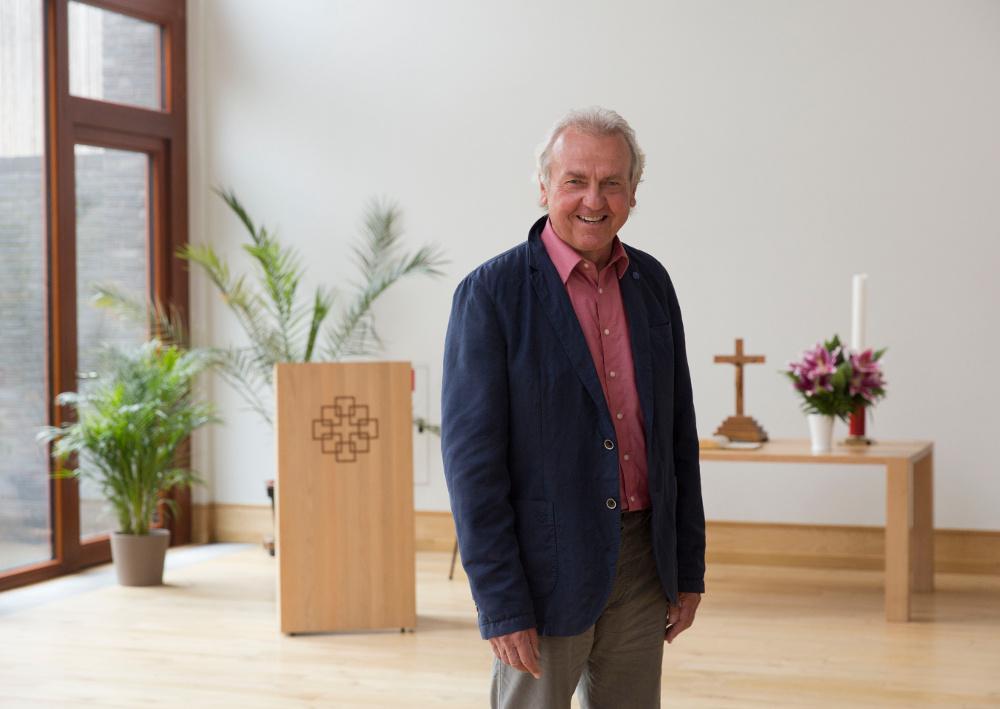 Der Journalist Helmut Völkel aus der Hoffnungsgemeinde will, dass die Kirche sich in aktuelle gesellschaftliche Debatten einmischt. Foto: Rolf Oeser